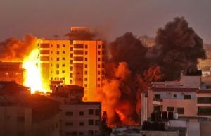 VIDEO - Atacuri masive asupra Israelului. Grupurile islamiste palestiniene au lansat sute de rachete din Fâșia Gaza